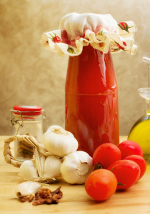 tomato sauce with raw ingredients